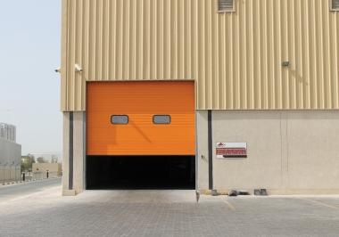 Секционные промышленные ворота